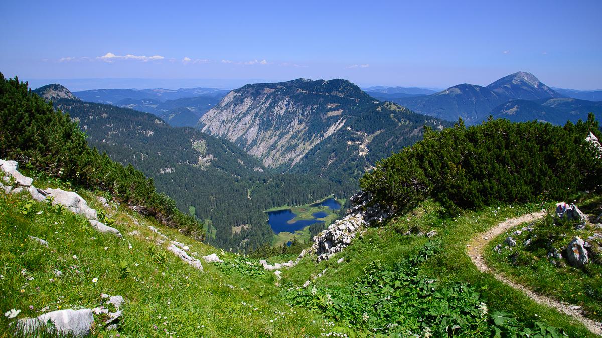 Von Lunz am See über den Obersee(Foto) auf den Dürrenstein zur Ybbstaler Hütte.